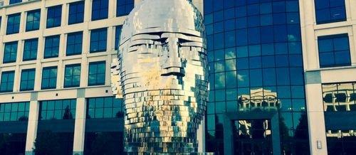 k, escultura cinética