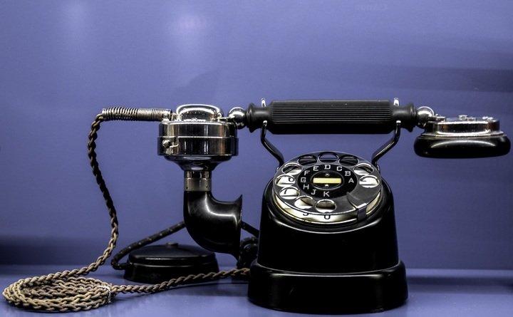 Segunda revolución industrial.Teléfono